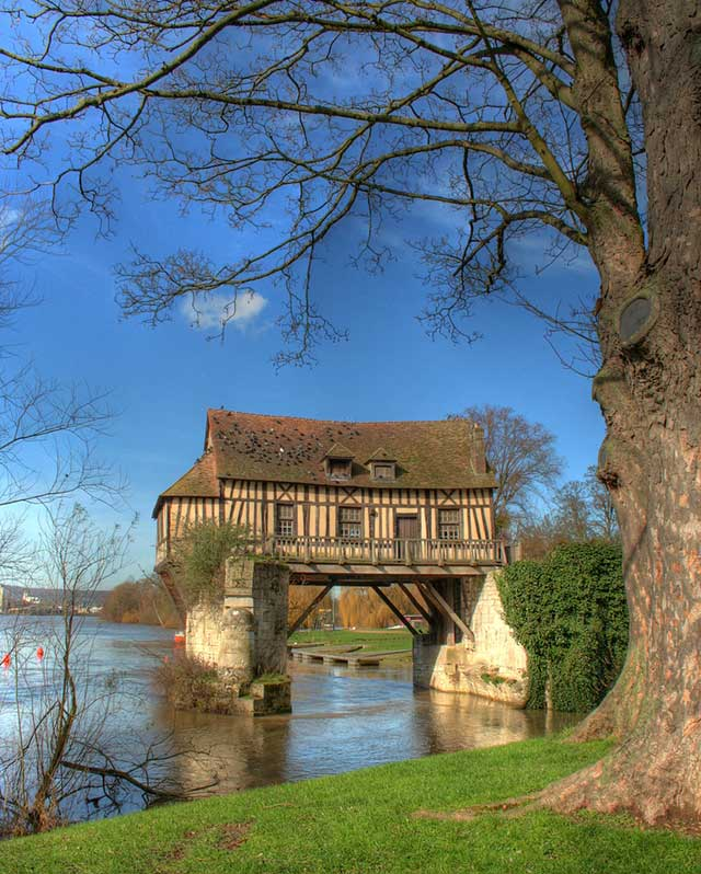 House on the Old Bridge (Vernon, France)