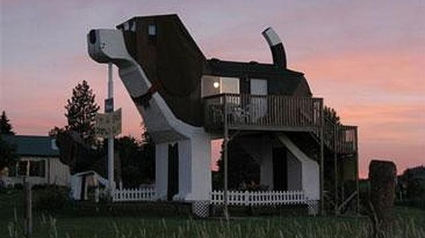Dog Bark Park Inn (United States)