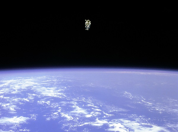 Bruce McCandless in his reckless adventure